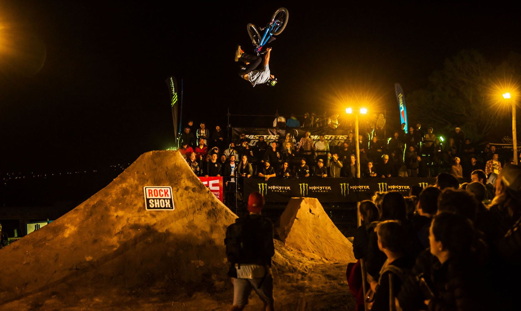 Sam Reynolds winning the Night Harvest 2018 MTB event