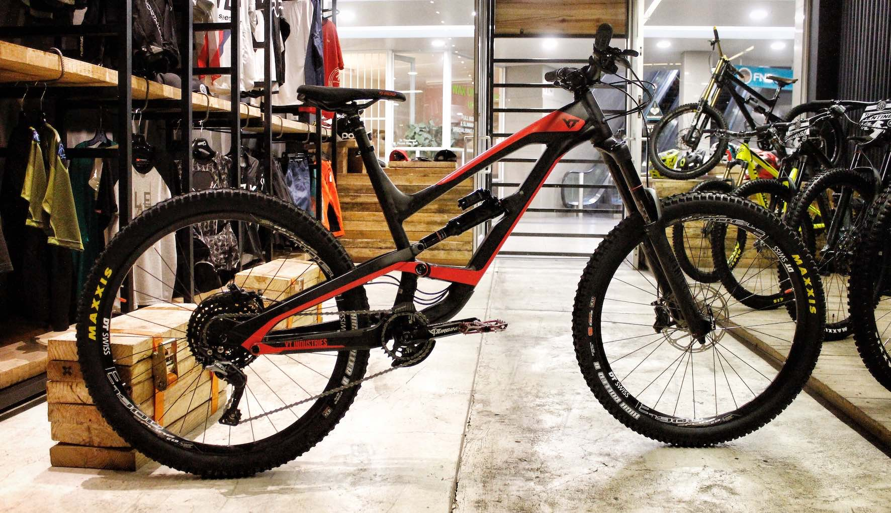 Meet the new 2018 YT Capra AL Comp Enduro MTB