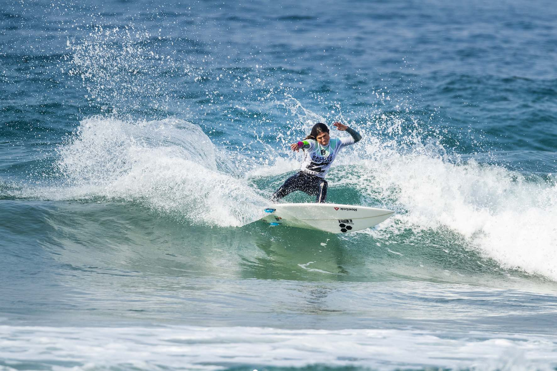 Sofia Mulanovich surfing her way to victory at the 2018 Ballito Pro