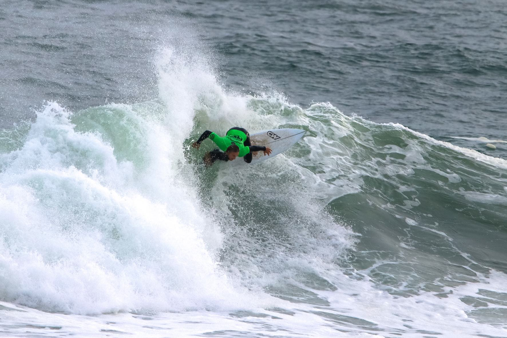 Jolan Bonelli surfing his way to victory at the Jordy Smith Cape Town Surf Pro
