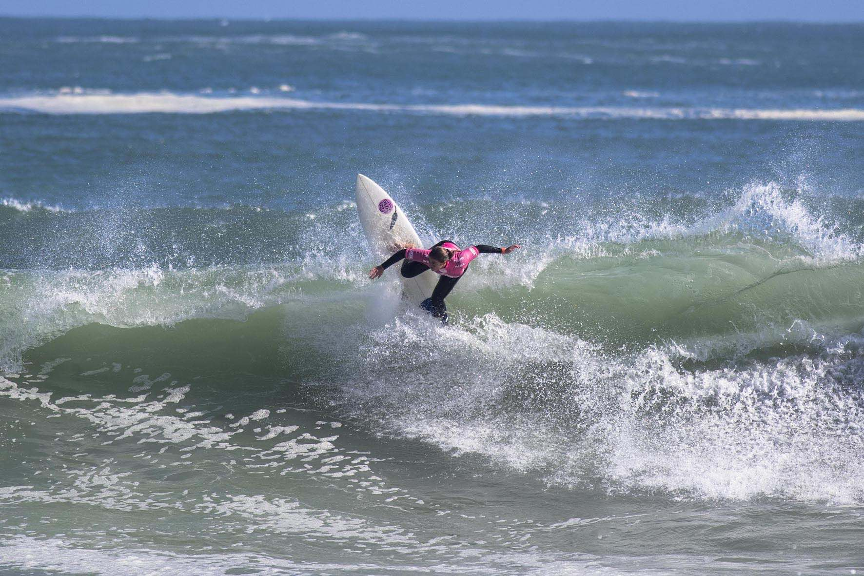 Cannelle Bulard surfing her way to victory at the 2018 Vans Surf Pro Classic