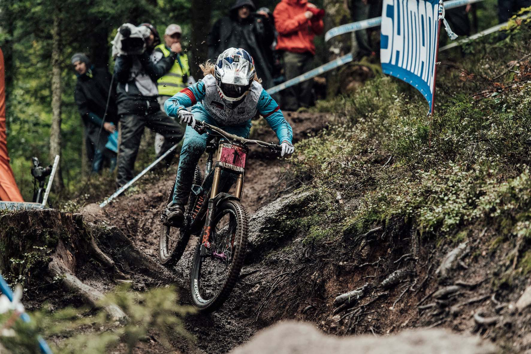 Rachel Atherton wins the 2018 Downhill MTB World Cup in La Brasse, France