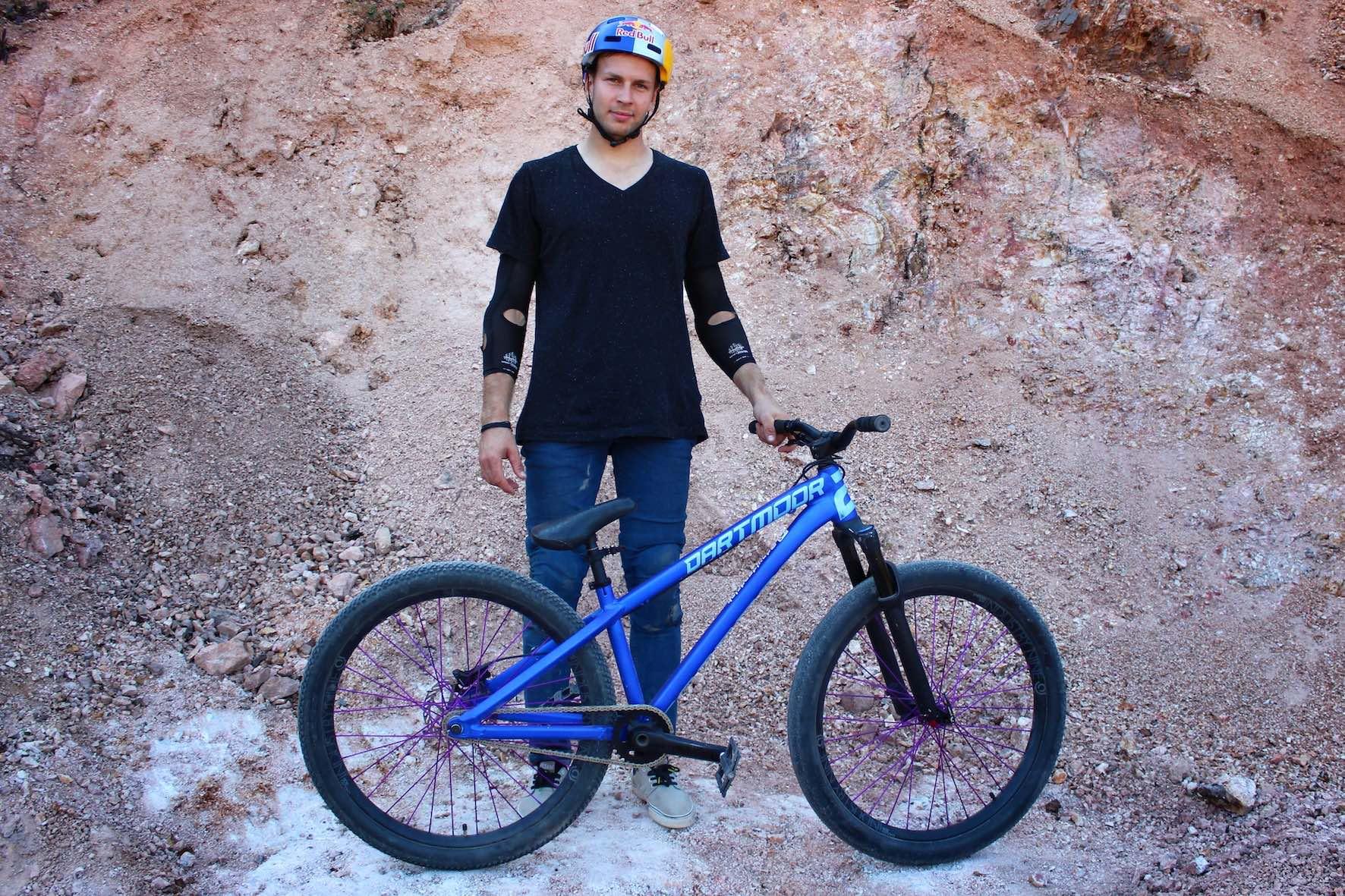 David Godziek Dartmoor 26 Player Audi Nines bike