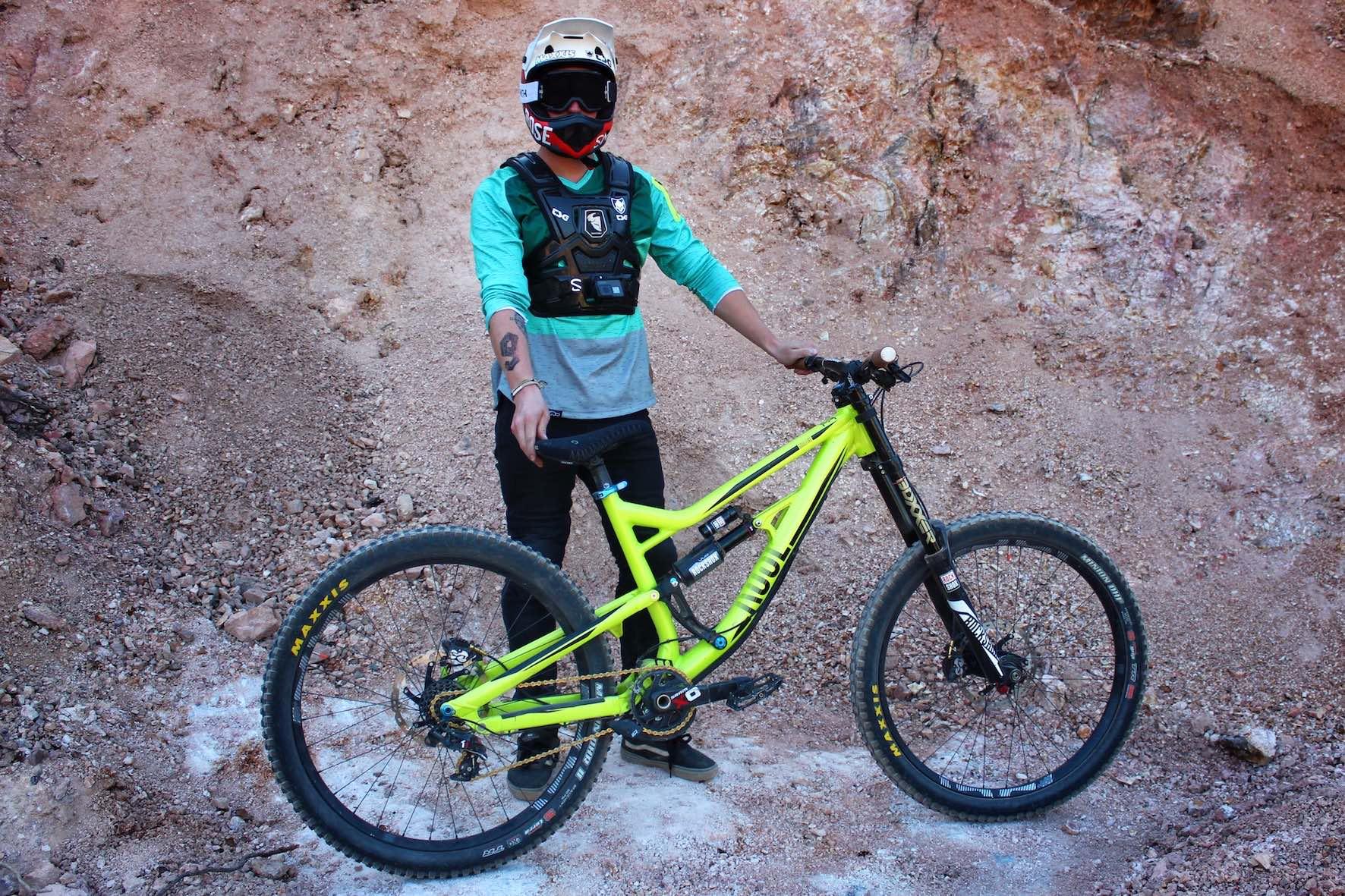 Tobi Wrobel Rose SoulFire Audi Nines bike