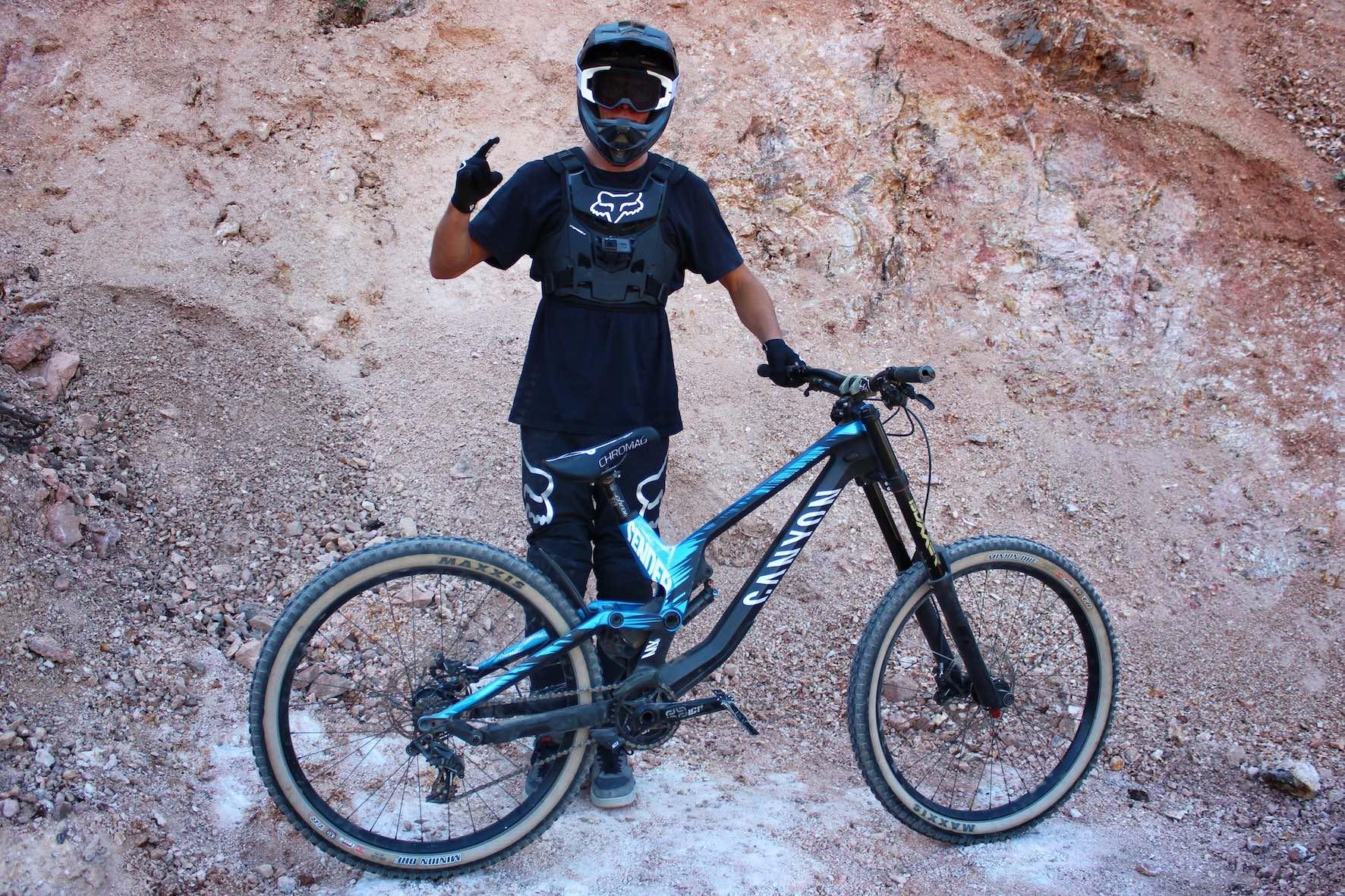 Nico Scholze Canyon Sender Audi Nines bike
