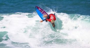 Zoe Steyn surfing in the 2018 Billabong Junior Series finale
