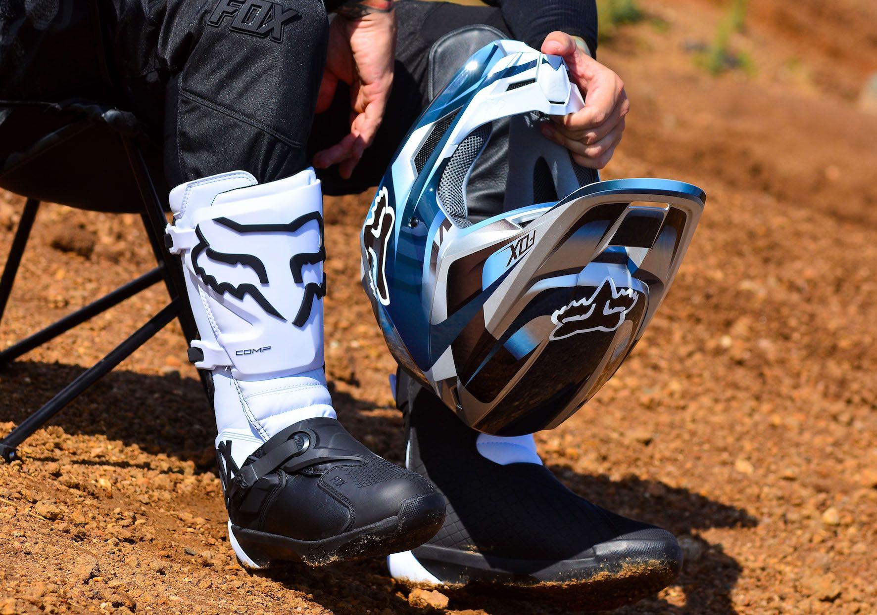 We test the all-new Fox V1 Motocross Helmet