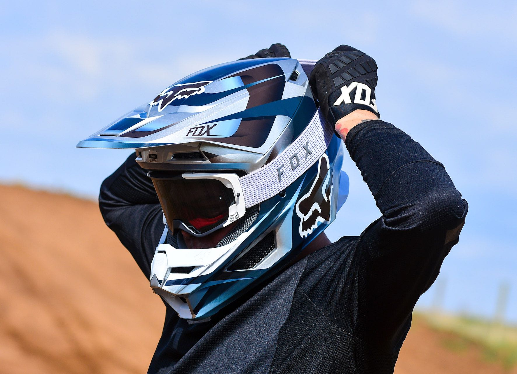 We test and review the new Fox VUE Goggle