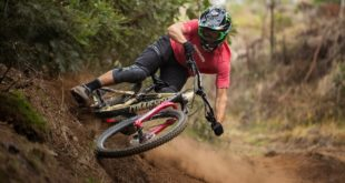 After a busy race season, Amaury Pierron took 2 weeks off in Reunion Island - but what is a holiday without a bike? Watch as he absolutely kills it on the trails the island had on offer.