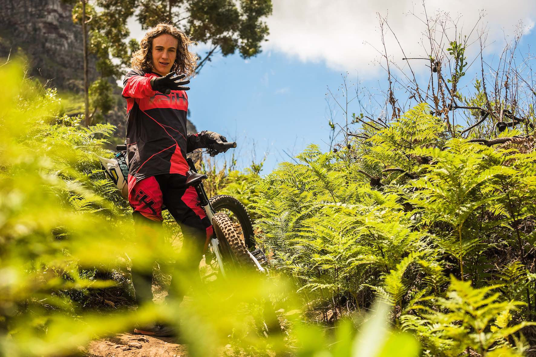 Meet Downhill MTB riders, Jasper Barrett