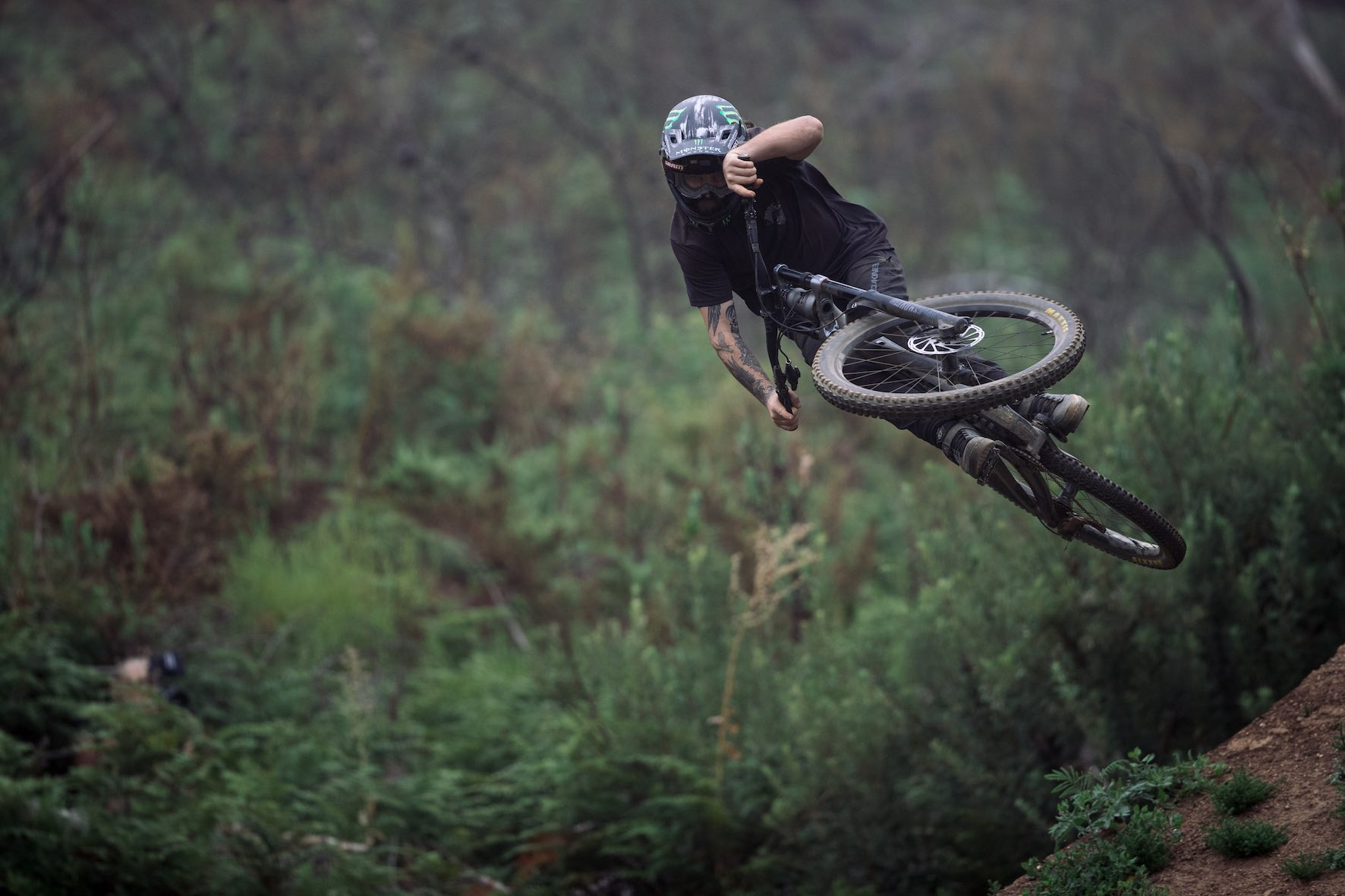Freeride MTB style for days with Graham Agassiz at DarkFEST