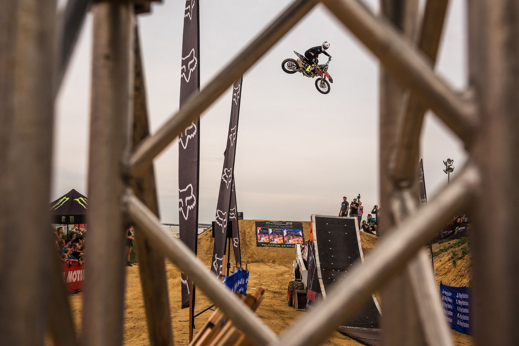Event review from the King of the Whip 2019 motocross best whip event