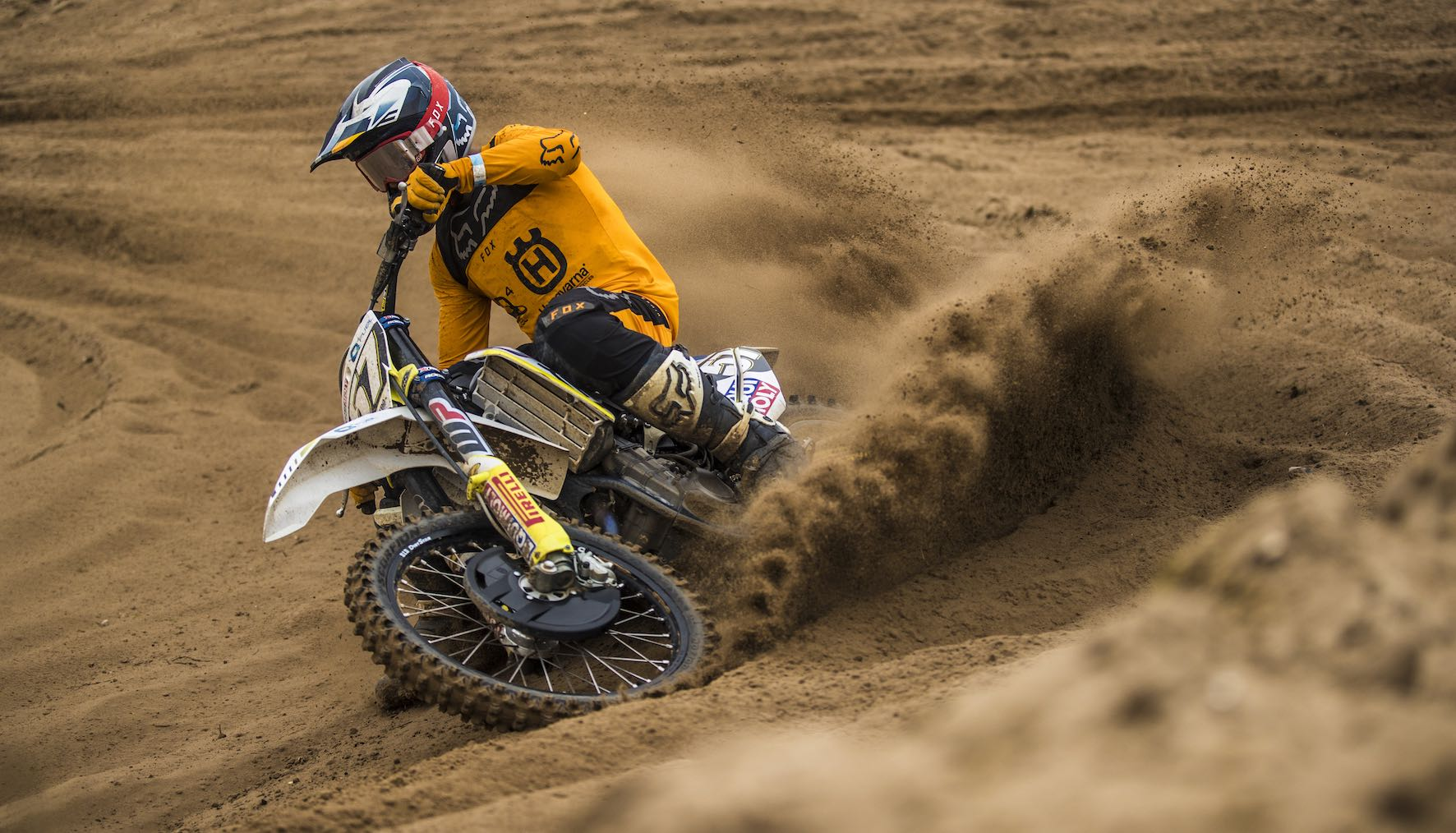 Maddy Malan racing to a motocross victory in the MX1 class