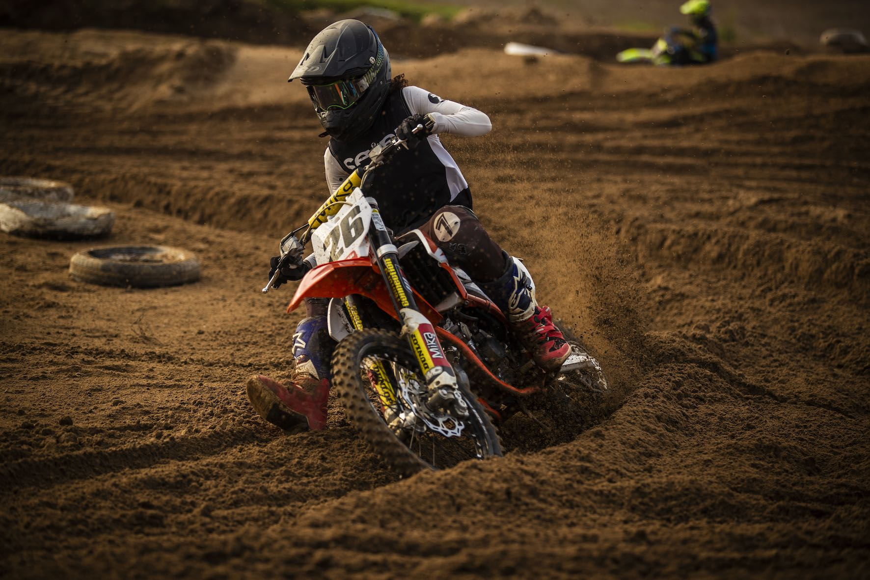 Stav Orland racing in the MX Nationals on Cape Town