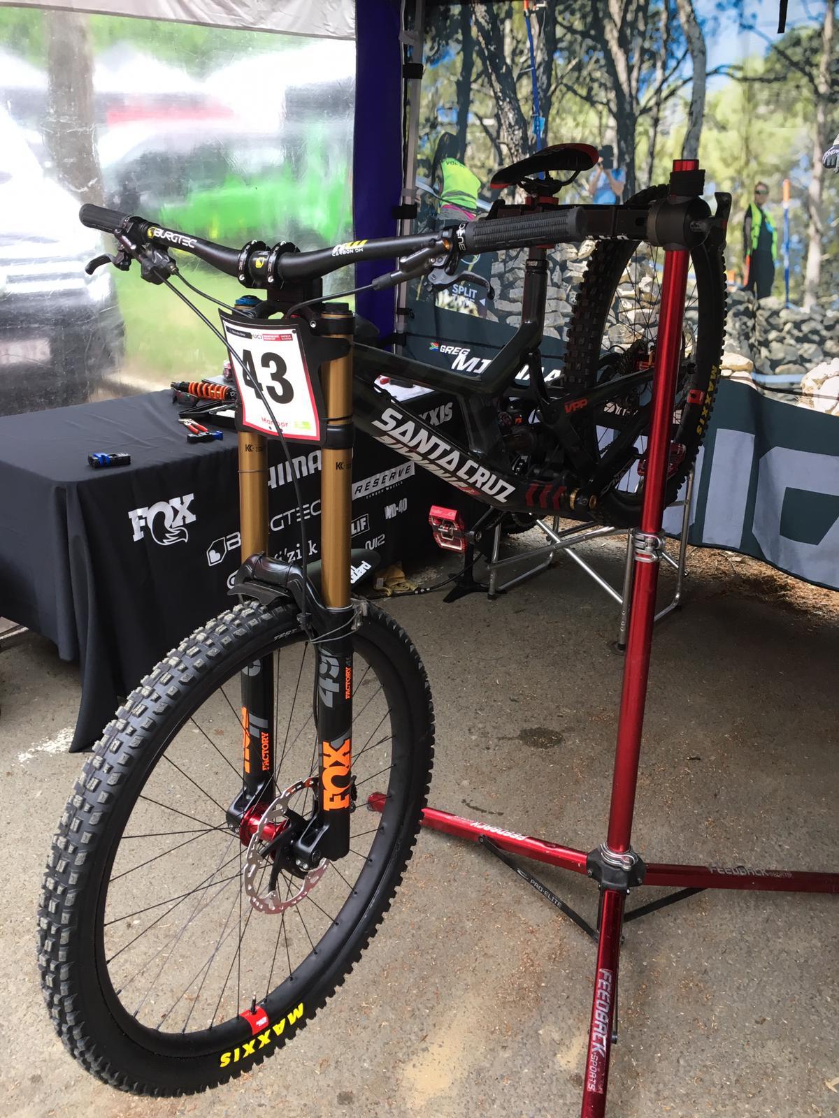 Greg Minnaar's new Santa Cruz V10 Downhill MTB bike