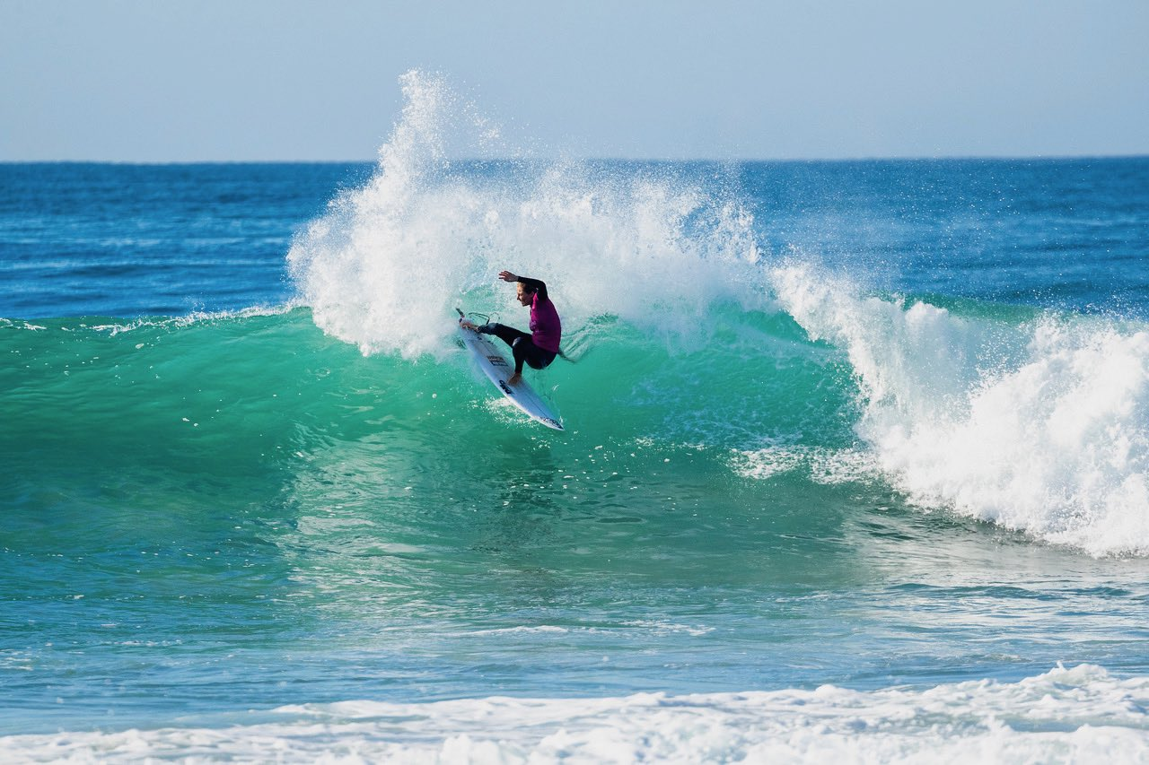 Stephanie Gilmore surfing in the Corona Open J-Bay