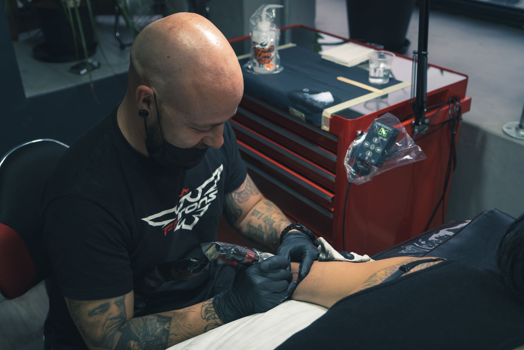 Interview with tattoo artist, Tony Barcelos