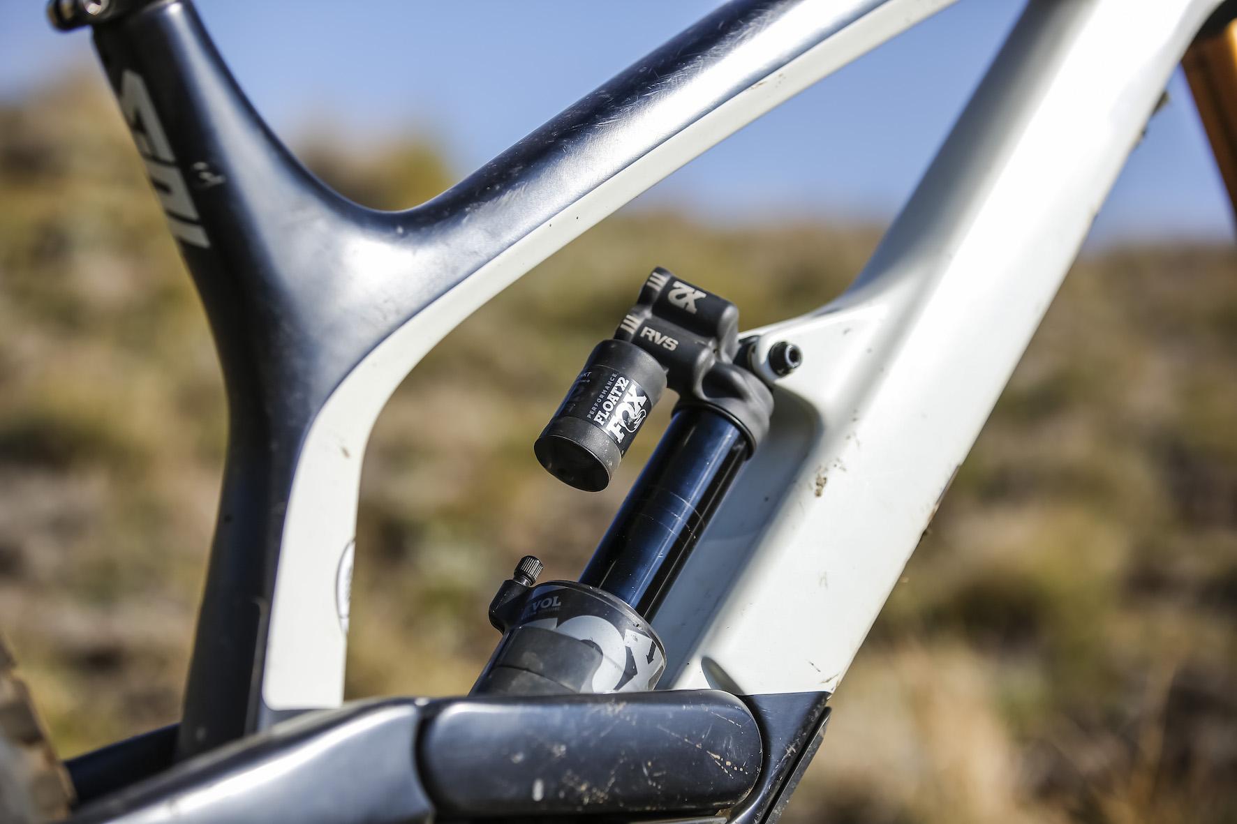 Bike Check with Theo Erlangsen's winning SA Downhill MTB championship bike