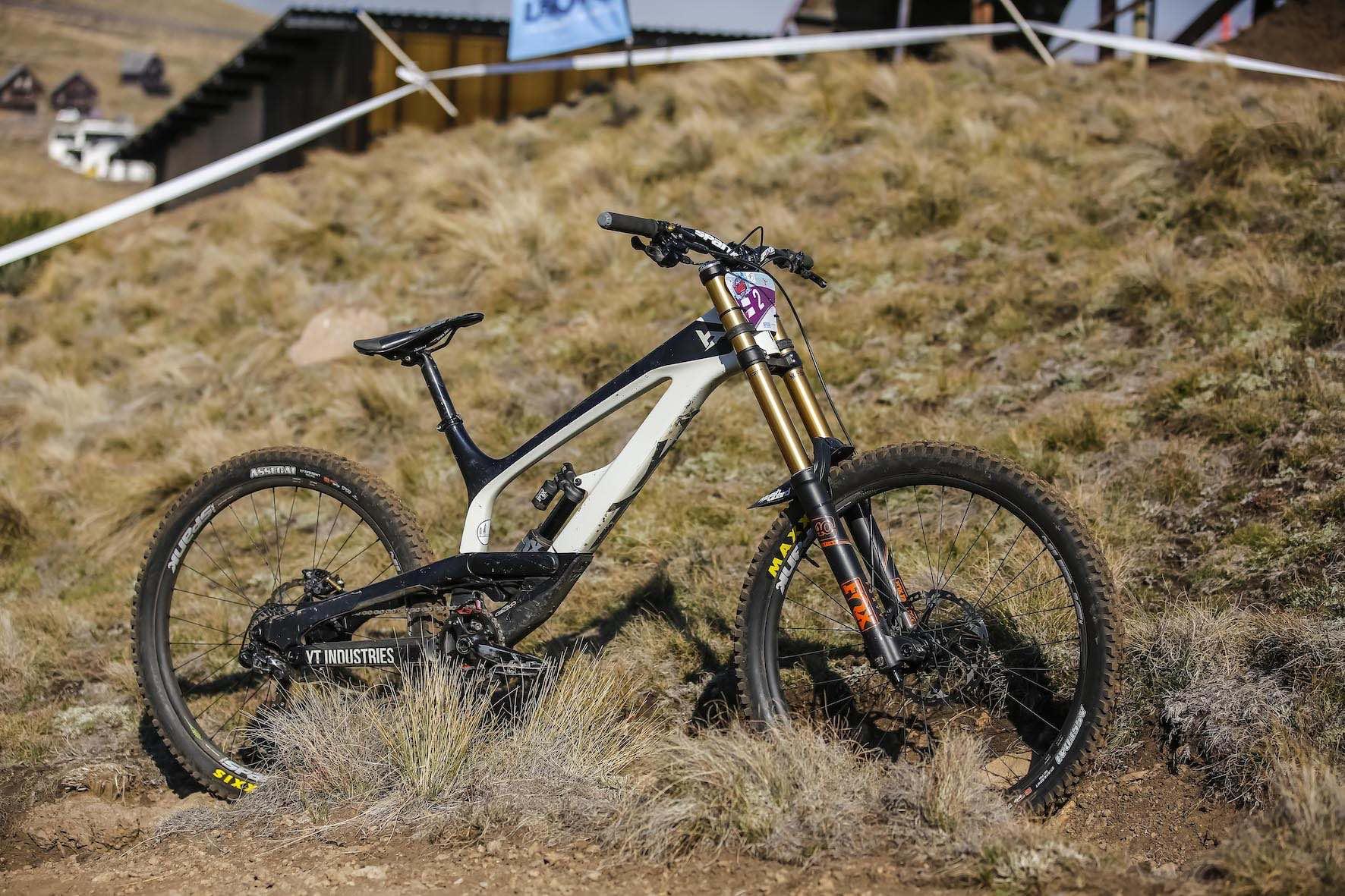 Bike Check with Theo Erlangsen's winning SA Downhill Mountain Bike championship bike