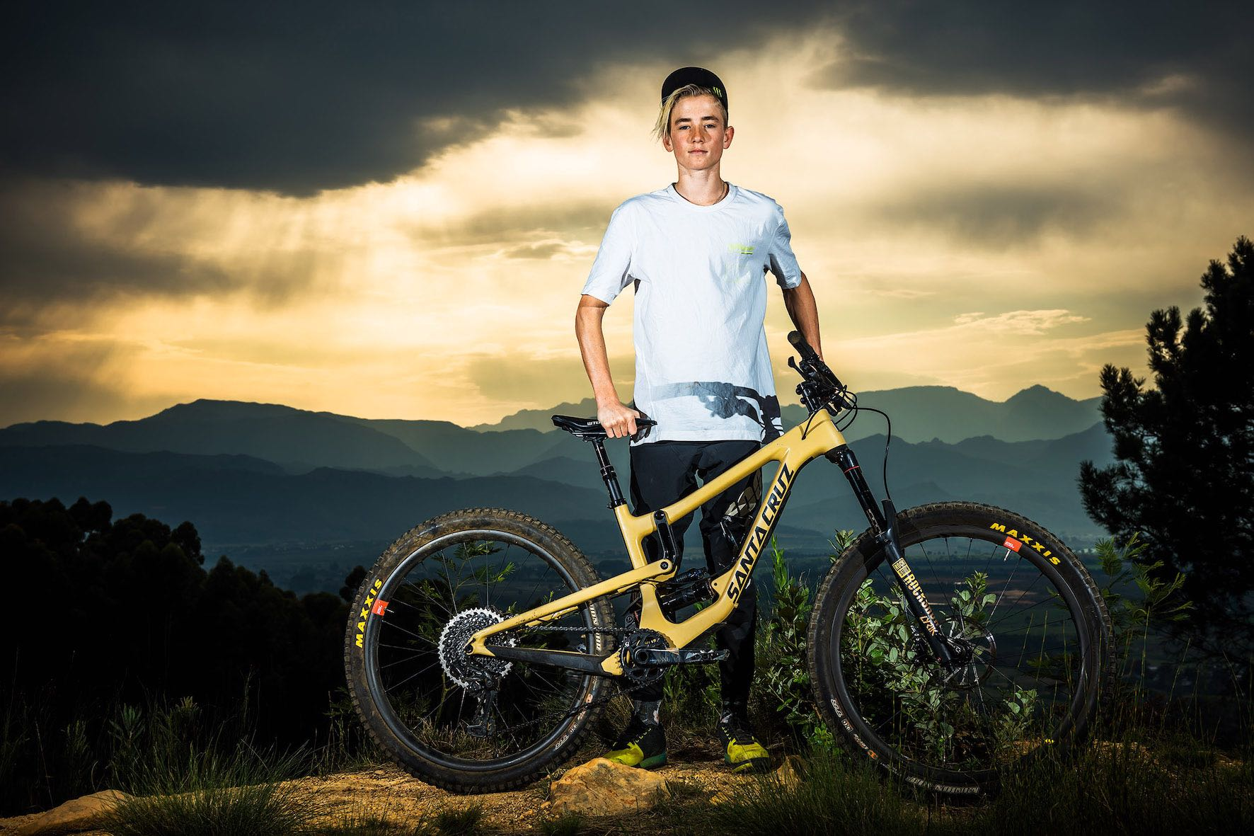 Downhill MTB rider, Ike Klaassen joins the Monster Army Family