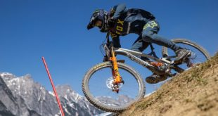 Theo Erlangsen takes us through the bike check of his new 2019 Downhill MTB