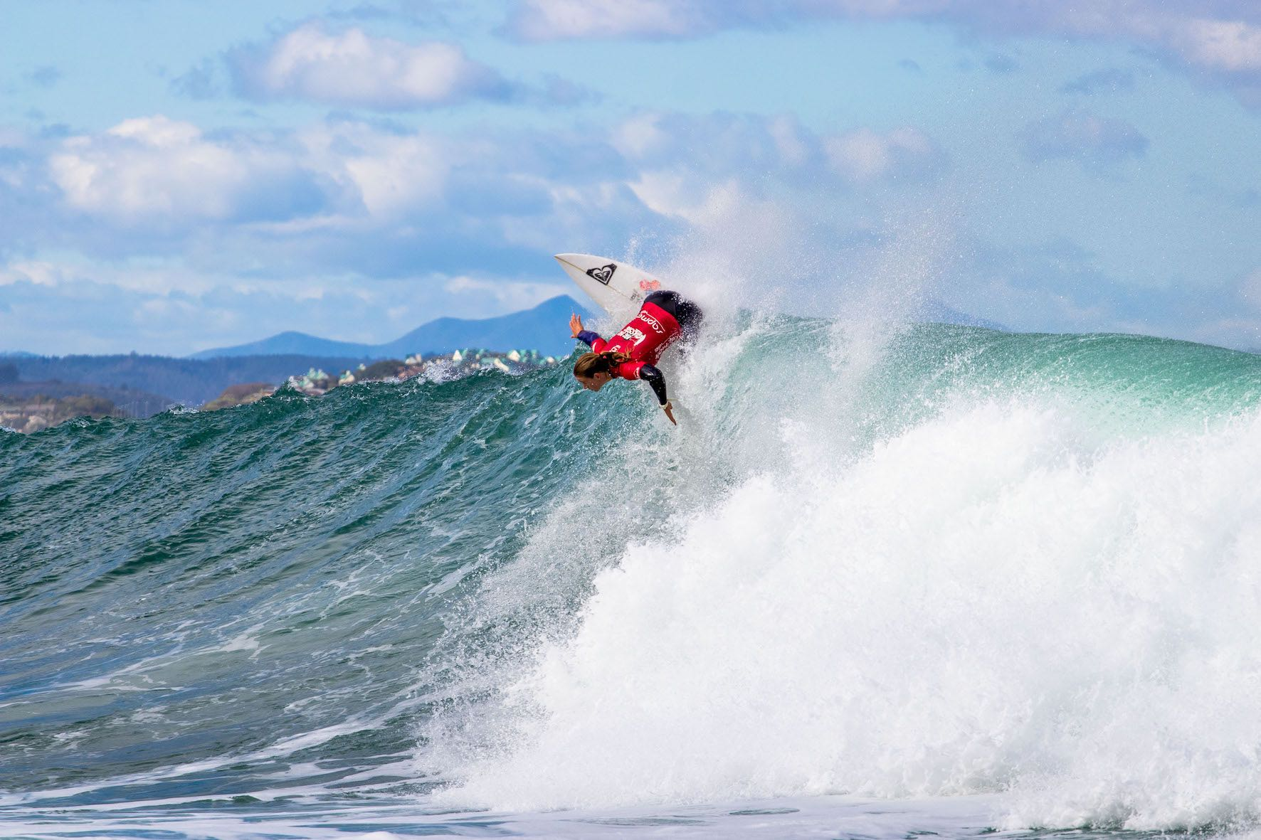 Bianca Buitendag surfing in the 2019 Vic Bay Classic