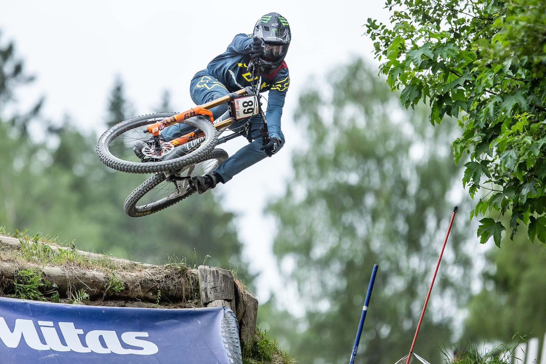 Thep Erlangsen shredding his Commencal 29 Supreme Downhill MTB bike