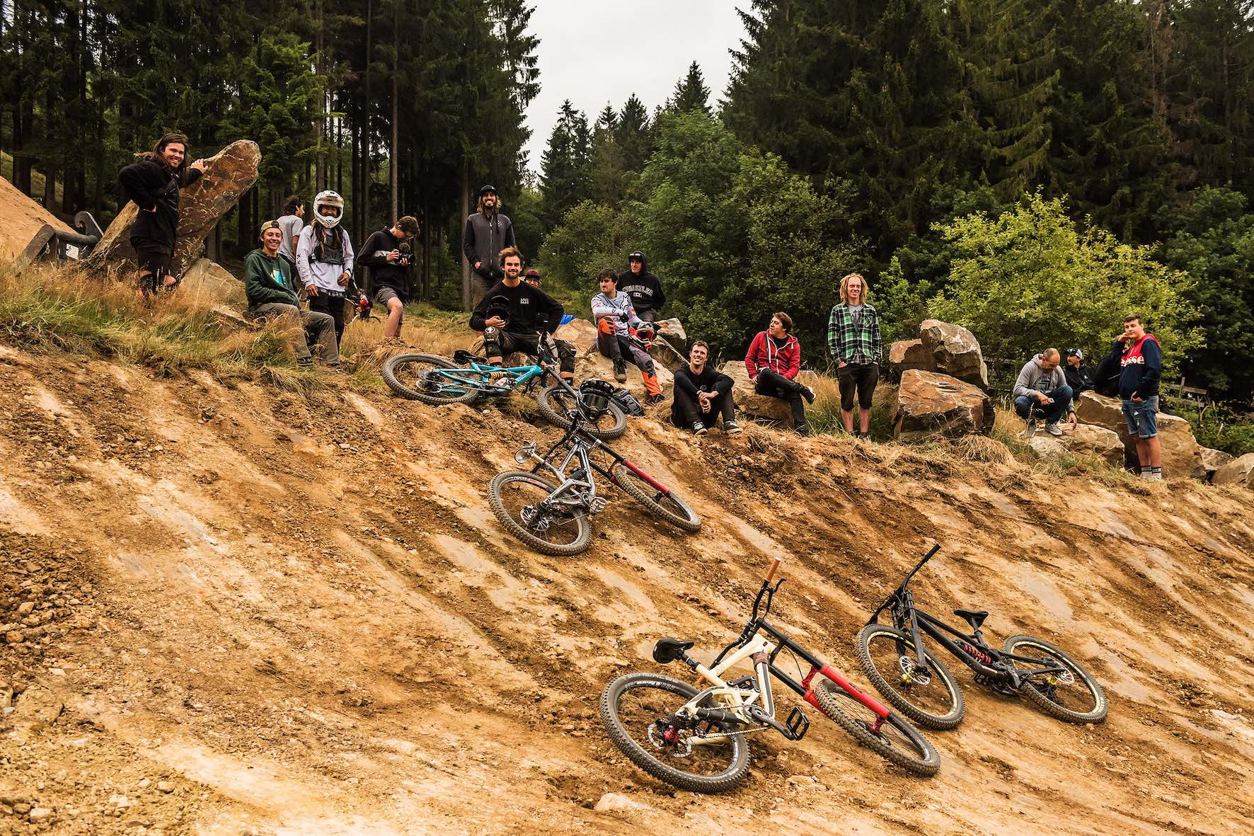 Freeride MTB riders preparing to ride the 2019 Loosefest XL Course