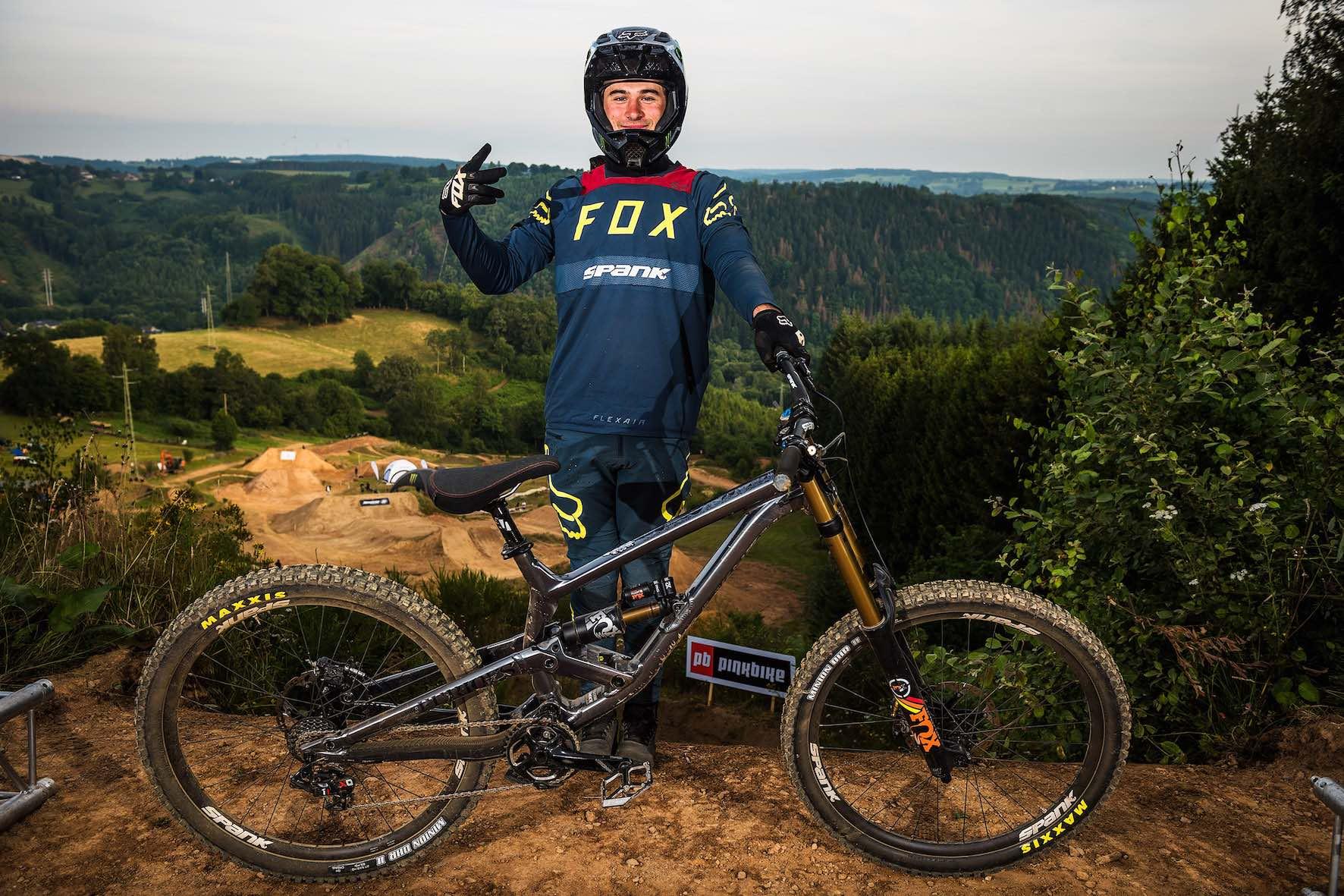 Bikes of Loosefest Xl 2019 - Theo Erlangsen on Commencal