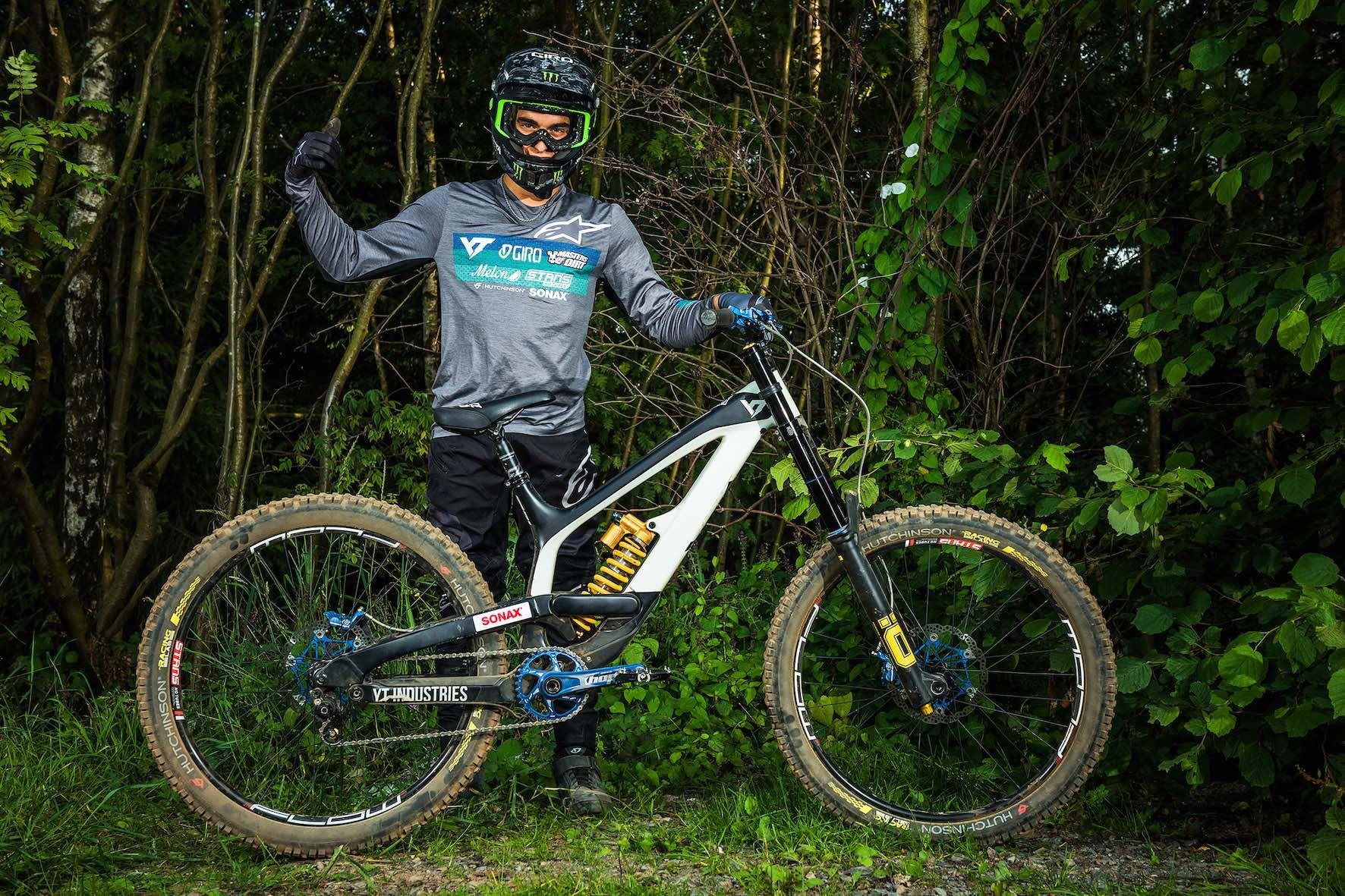 Bikes of Loosefest XL 2019 - Adolf Silva on YT