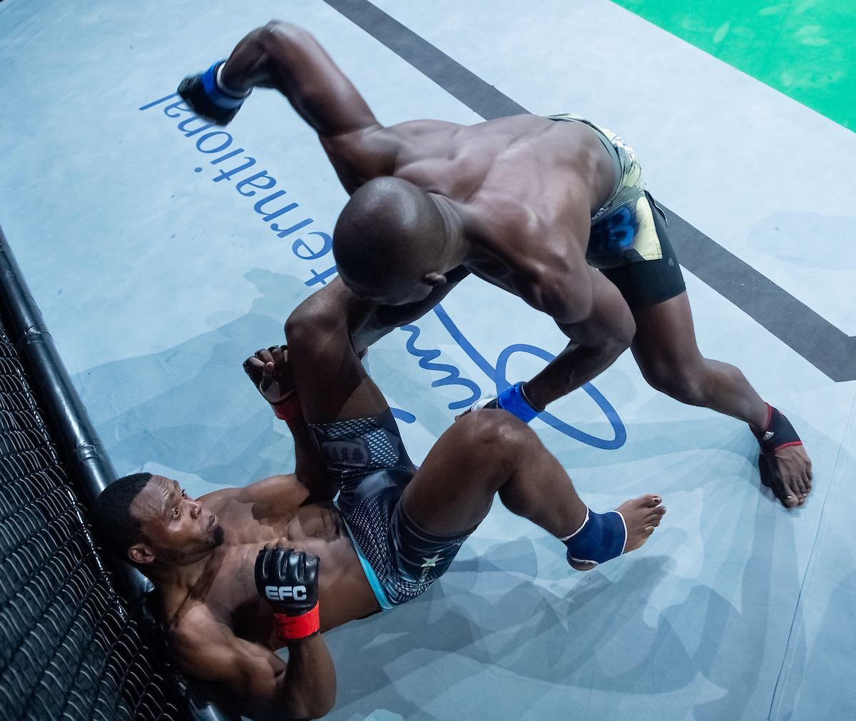 Rodrique Kena vs Elvis Ngwalangwala