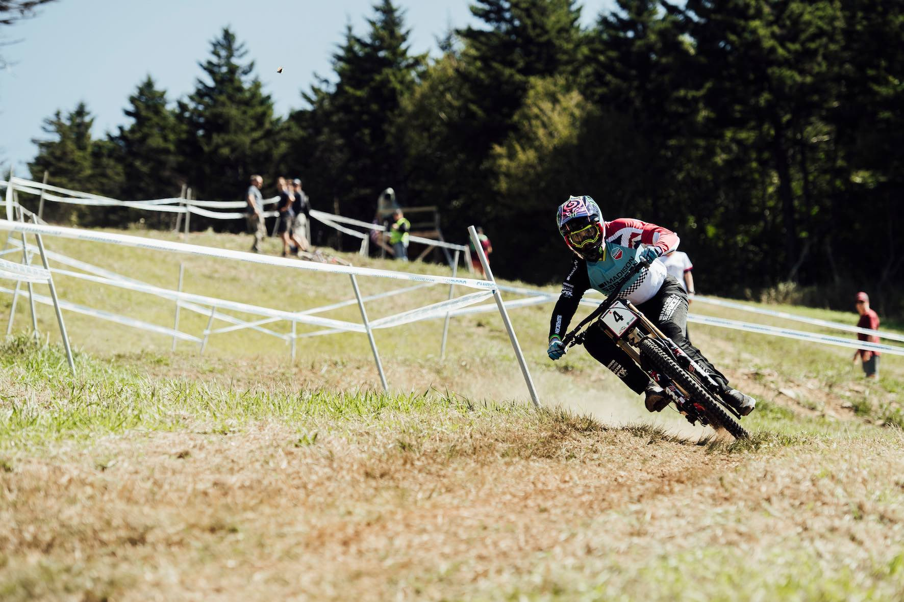 Danny Hart racing the 2019 UCI Downhill MTB World Cup in Snowshoe