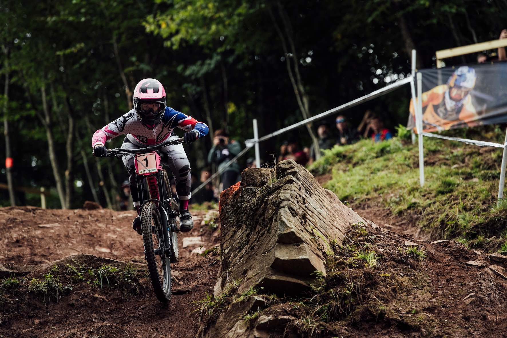 Tracey Hannah racing the 2019 UCI Downhill MTB World Cup in Snowshoe