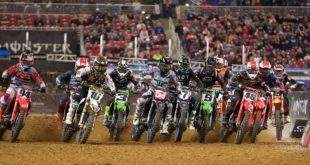 Take a look atthe 250 and 450 main events highlights from Round 2 of the 2020Monster Energy Supercross from St. Louis.