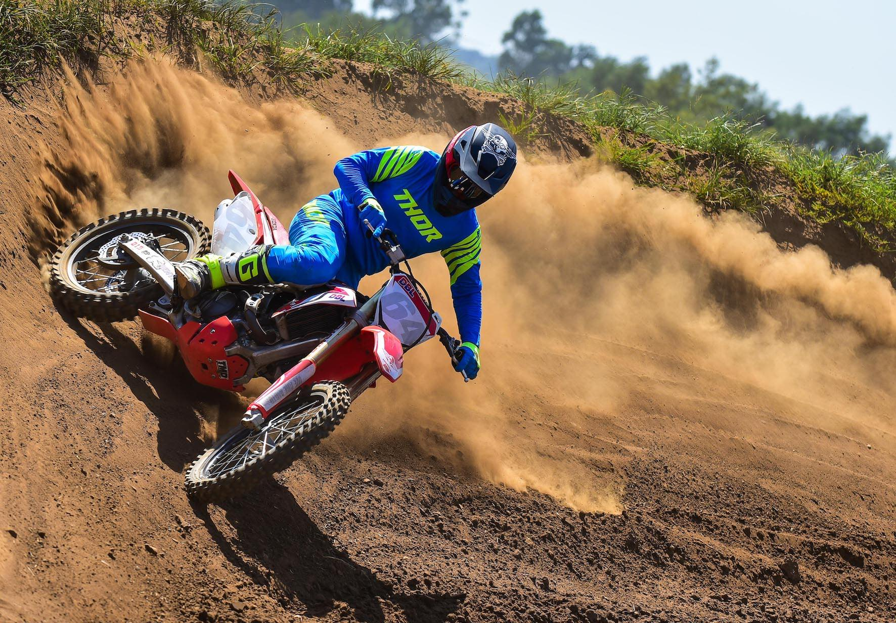 We test the We review the 2020 Thor MX Prime Pro Racewear