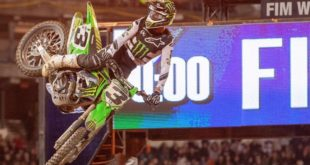 Take a look at the 250 and 450 main event highlights from Round 5 of the 2020 Monster Energy Supercross from Oakland.