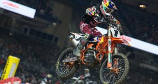 Take a look at the 250 and 450 main event highlights from Round 6 of the 2020 Monster Energy Supercross from San Diego.