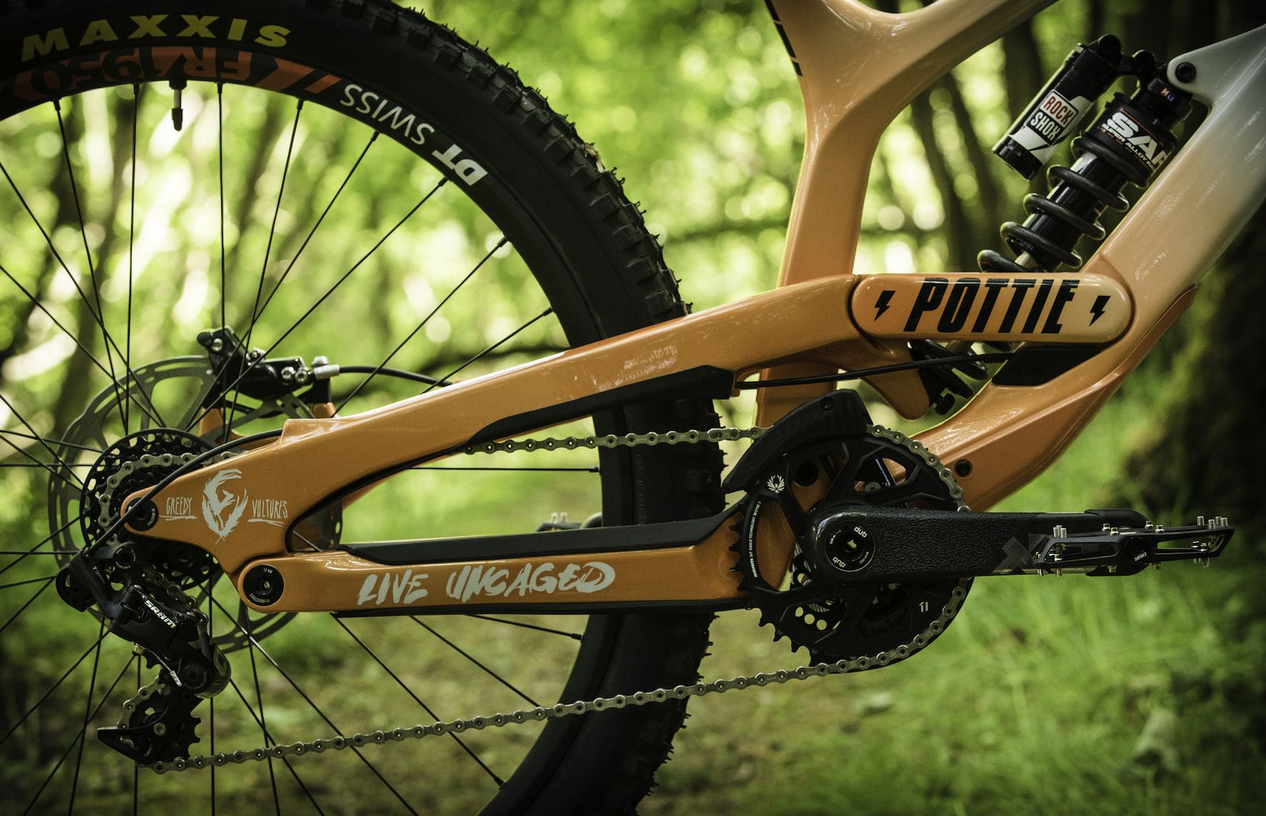 Bike Check with Johann Potgieter's 2020 YT Industries TUES Downhill MTB