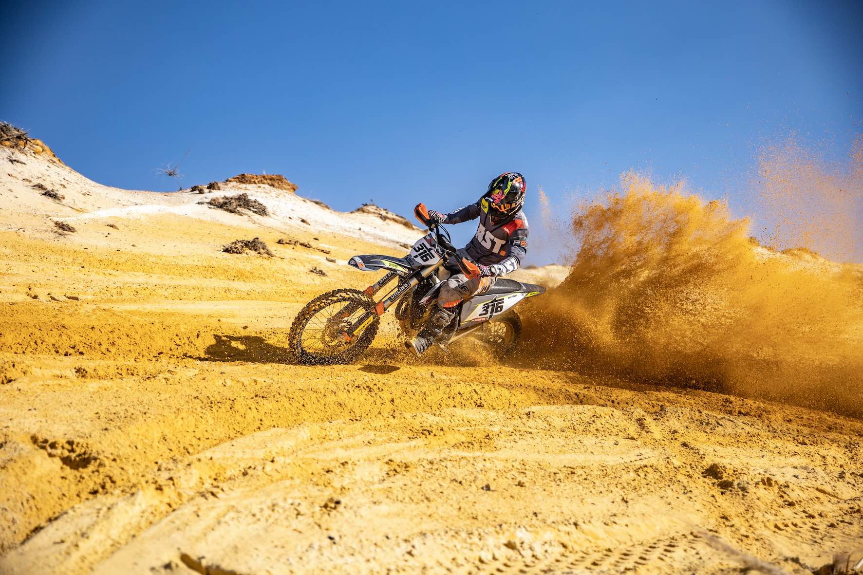 Interview with Ian Rall about off-road dirt bike racing