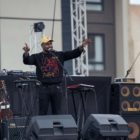 Majozi performing at A New Day Out Pod Party