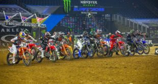 Take a look atthe 250 and 450 Main Event highlights from Round 2of the 2021Monster Energy Supercross from Houston.
