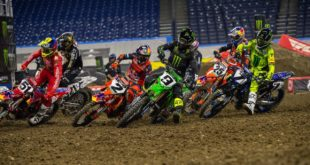 Take a look at the 250 and 450 Main Event highlights from Round 4 of the 2021 Monster Energy Supercross from Indianapolis.