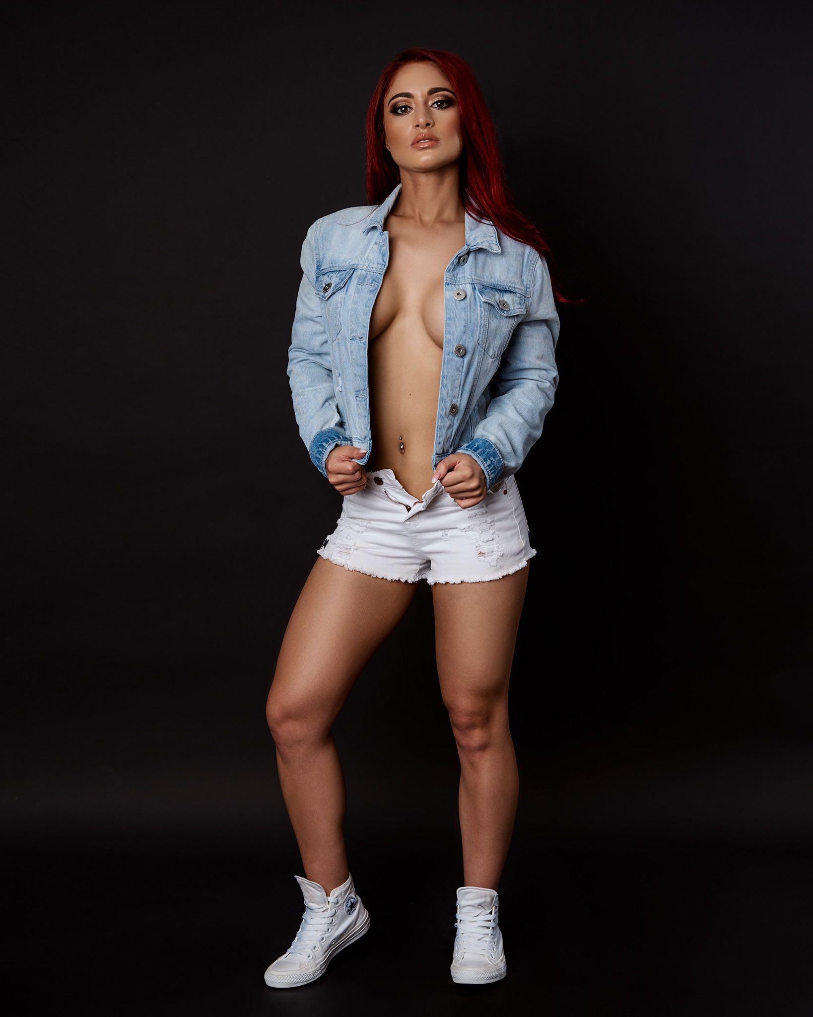 Meet Kayla De Lange in our SA Girls feature