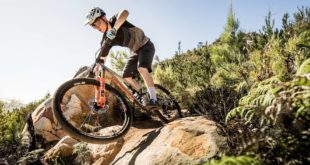 The 2020 World Cup Downhill MTB champion, Matt Walker, spent his summer training camp in Cape Town South Africa. The Going Pro with Matt Walker documentary gives us an insider's look into Matt's time in South Africa, insight into his 2020 year and ambitions for 2021.
