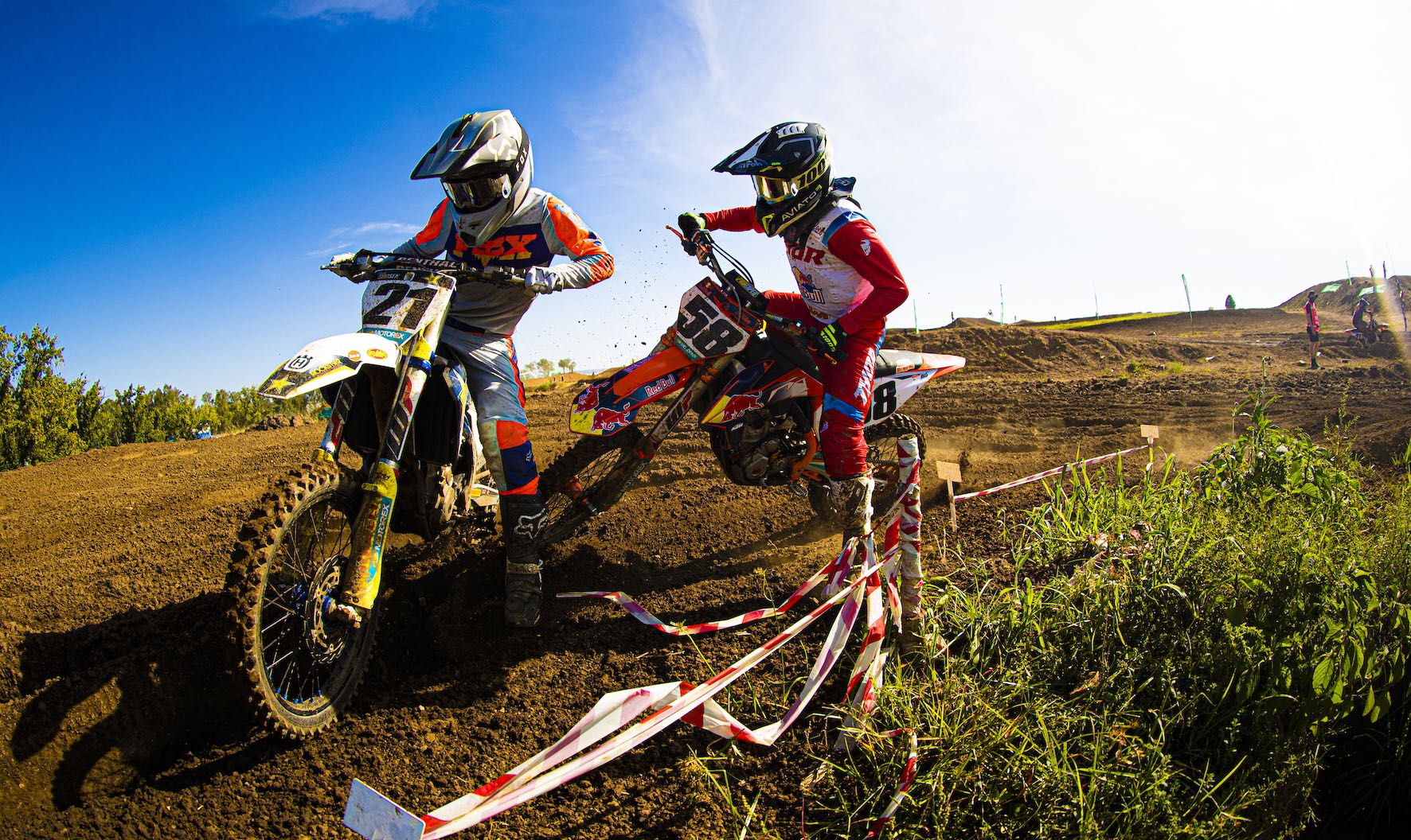 David Goosen and Come-on Durow battling at the motocross nationals