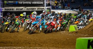 Take a look at the 250 and 450 Main Event highlights from Round 8 of the 2021 Monster Energy Supercross from Orlando.