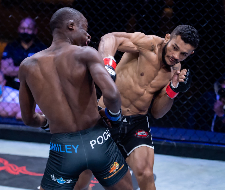 EFC Featherweight Title Fight between Reinaldo Ekson and Igeu Kabesa
