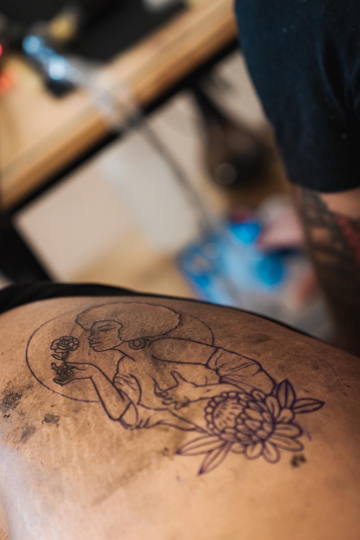 Charl Steyn tattooing a client in his Pretoria Tattoo Shop
